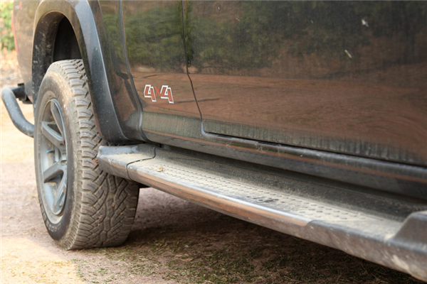 Which Step Bars Are Best for Your Truck? Read Our Guide to Find Out