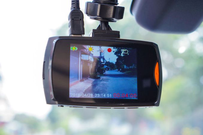 How a Dash Cam Protects Commercial Drivers