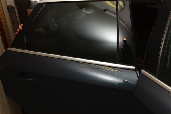 Window Tinting: Legal or Risky?