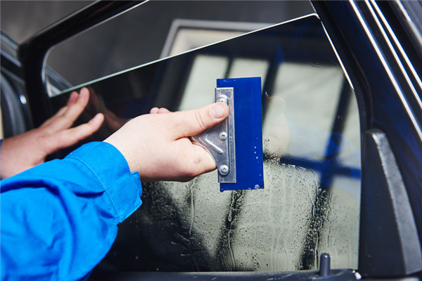 The Advantages of Window Tinting for the Summer